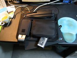 予備バッテリー、マウス、本体、ACアダプタ