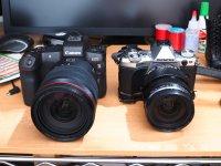 Canon EOS R と OLYMPUS E-M5 MkII