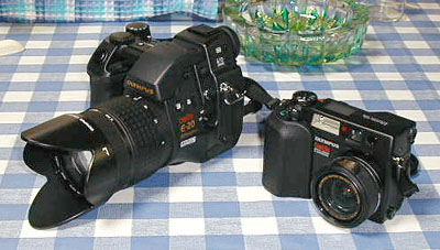 OLYMPUS E-20 and 4040ZOOM