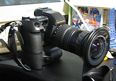 E-20 + バッテリーホルダ + 魚眼レンズ